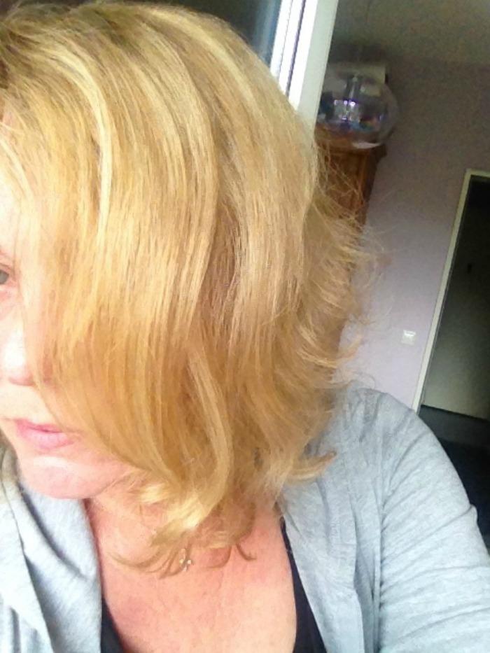 Pfusch beim Haarefärben Gelb