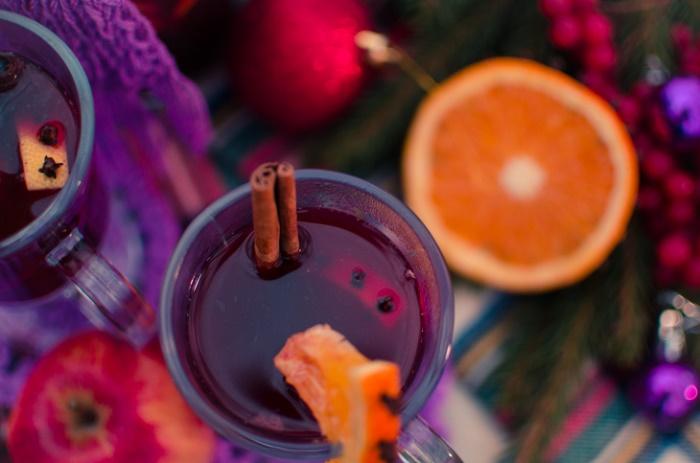 Der einfachste Cocktail der Welt: Glühweinbowle ©Thinkstock