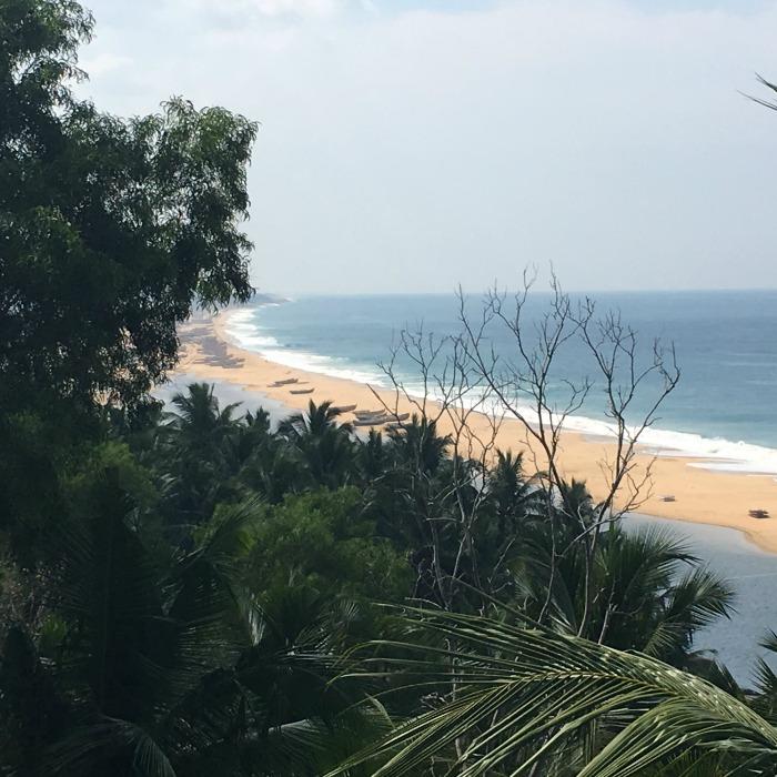 Ein Traum: Der Blick vom Ressort auf den Strand. Noch ahne ich nichts vom Badeverbot ©estherlangmaack