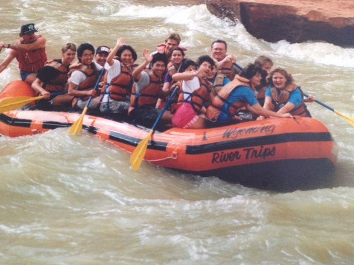 Schüleraustausch: Internationale Austauschschüler in einem Boot