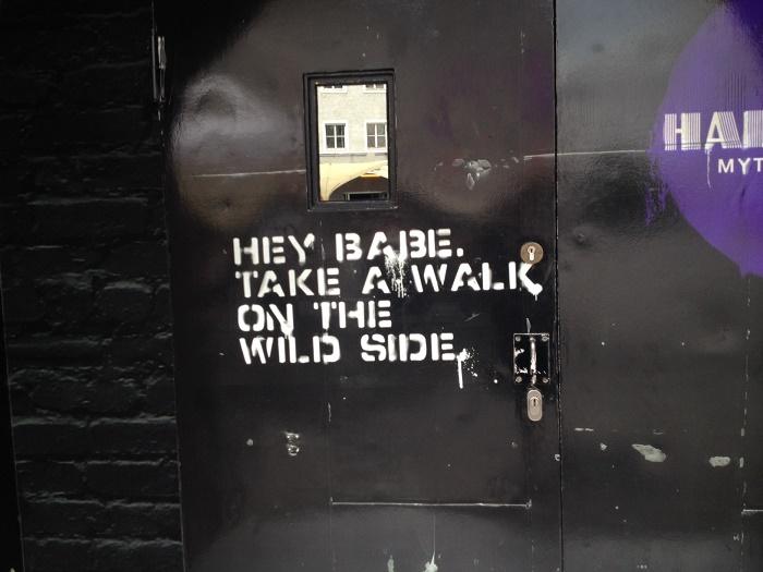 Weisheiten auf Türen
