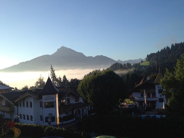 Sommerurlaub in Tirol und ein beeindruckender Blick aus dem Fenster