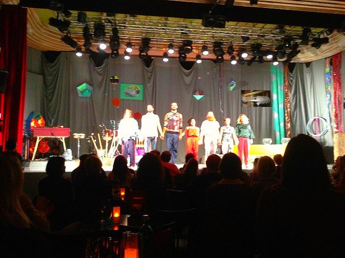 Das Ensemble vom Cirkus Cirkör (c) Silke Plagge