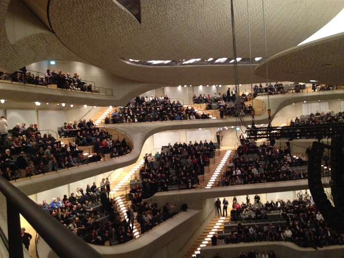 Neubauten: so sieht der große Konzertsaal der Elbphilharmonie aus