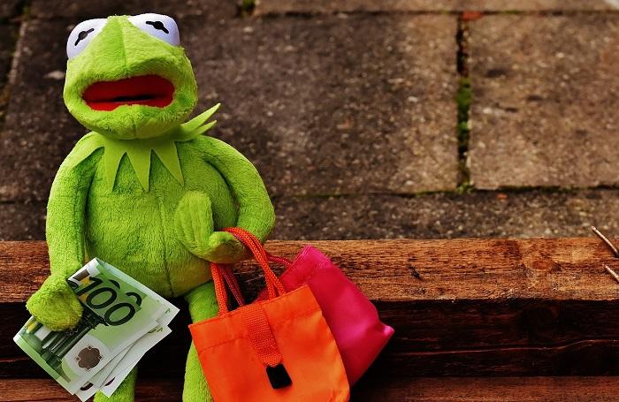 Finanzwissen: Shoppen macht ohne Geld wenig Spaß