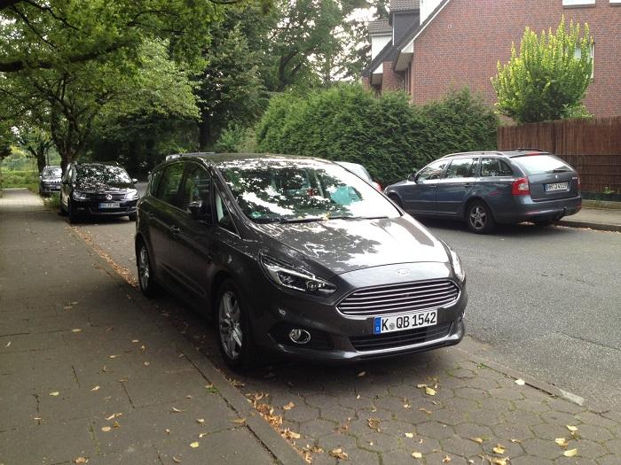 Autotest Ford-S-Max: leicht eingeparkt
